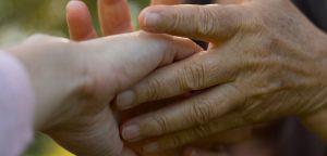 Handmassage, mit hand berühren