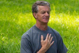 Übungen zu Atem, Stimme, Bewegung, sowie einzelnen Bereichen des Körpers wie Beckenboden