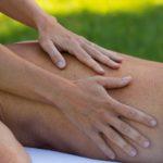 Bei der Slow Touch Massage geht es um ganz langsame, absichtslose Berührung