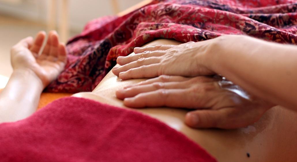 Körper spüren und erforschen, Berührung genießen, Sinnlichkeit erleben